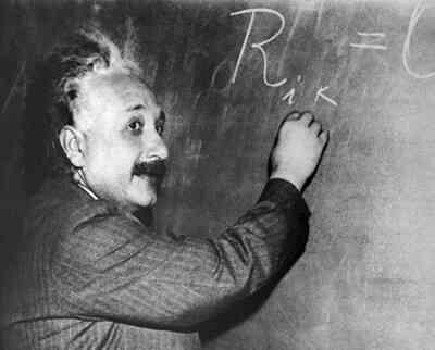 Gang of Four Pd-albert-einstein-relatividad